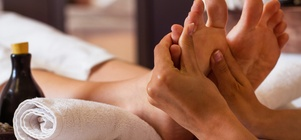 JUNE back, neck and feet massage